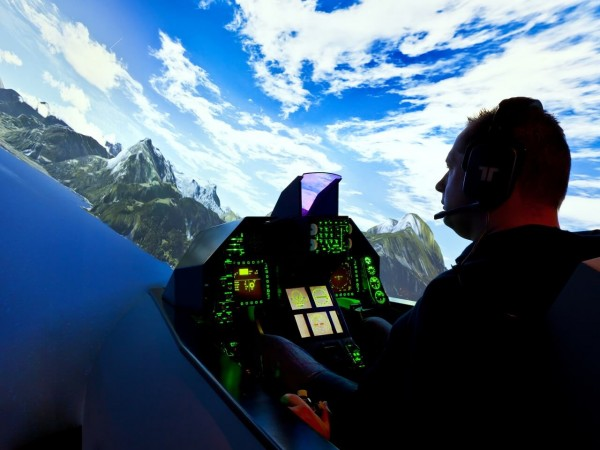 Kampfjet Simulator (F-16 fixed)