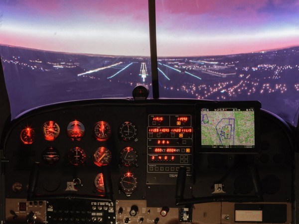 Flugzeug Simulator Frankfurt (Cessna 172 fixed)