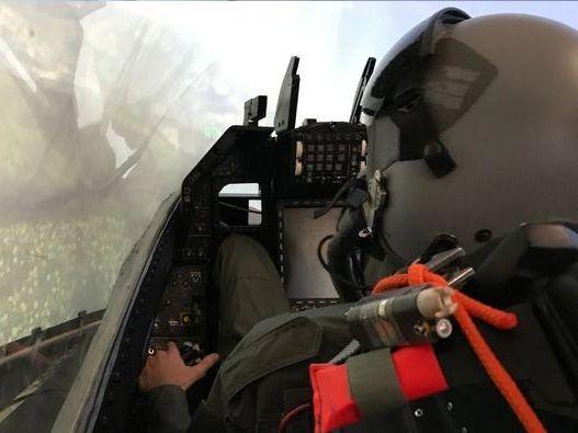 Kampfjet Simulator Hamburg (F-16 fixed)
