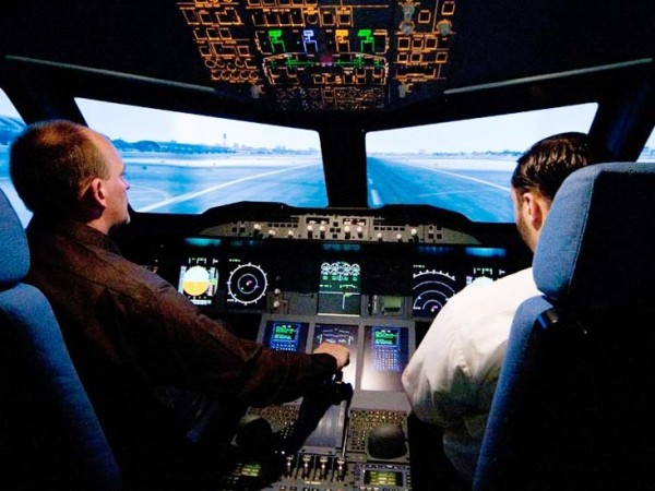 Flugzeug Simulator Frankfurt (Airbus A380 fixed)